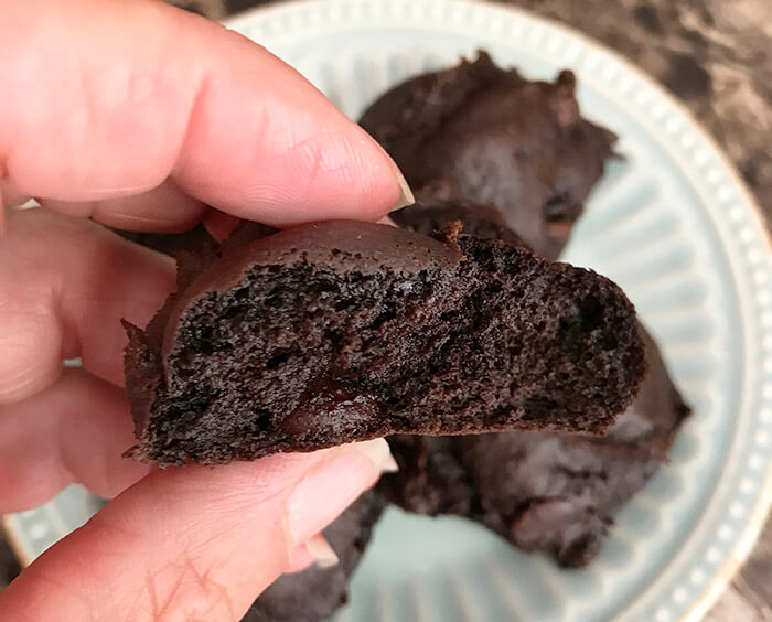 When you think about cookie ingredients, avocados probably don't spring to mind. This avocado cookie recipe that tastes like a brownie is going to change that!